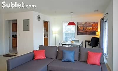 Living Room, 889 Green St, 1
