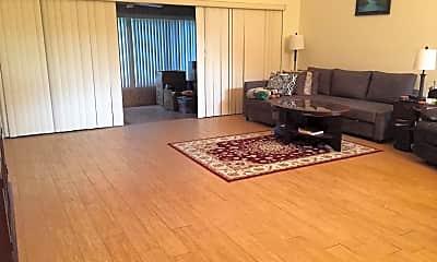 Living Room, 81 Carolwood Blvd, 2
