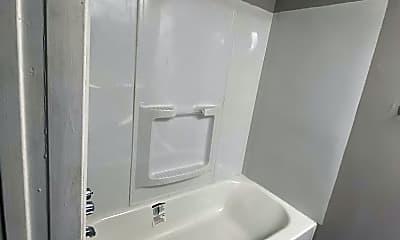Bathroom, 1328 N Calhoun St, 2
