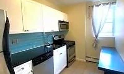 Kitchen, 255 W Broadway, 1