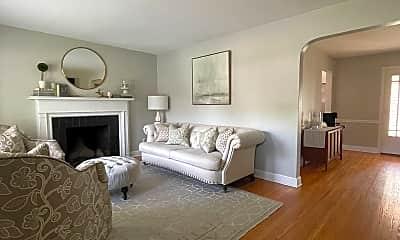Bedroom, 211 Monohan Drive, 1