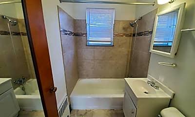 Bathroom, 1102 Beacon St, 2