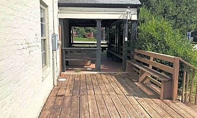 Patio / Deck, 1502 Maple St, 2