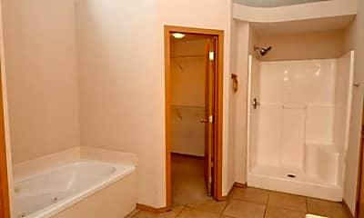 Bathroom, 1722 S Eastland Ave, 2