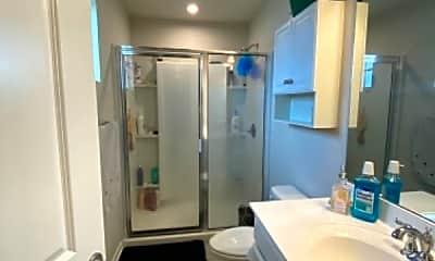 Bathroom, 178 Stonebridge Rd, 2