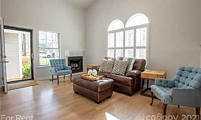 Living Room, 9006 St Thomas Ln, 1