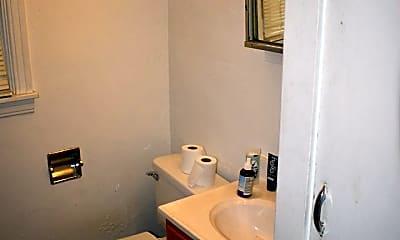 Bathroom, 725 Klondyke Ave, 2