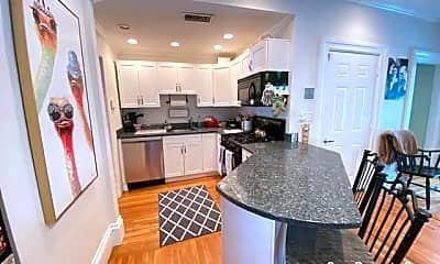 Kitchen, 536 E 4th St, 1
