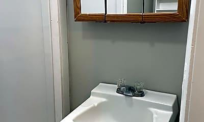 Bathroom, 1419 Greenbush St, 2