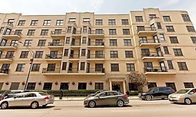 Building, 520 N Halsted St, 2