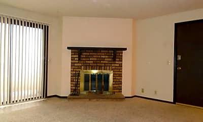 Living Room, 1530 McCain Ln, 2