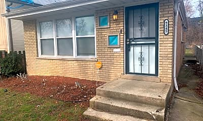 Building, 9345 S Burnside Ave, 2