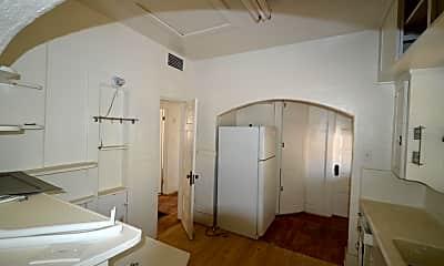 Bathroom, 918 E 8th St, 0