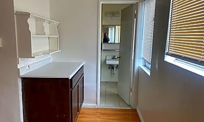 Kitchen, 721 New Depot St, 2