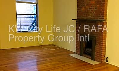 Living Room, 211 Washington St, 1