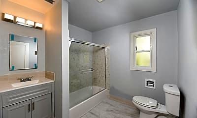 Bathroom, 4811 San Pablo Dam Rd, 2