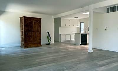 Living Room, 3196 Diablo View Rd, 2