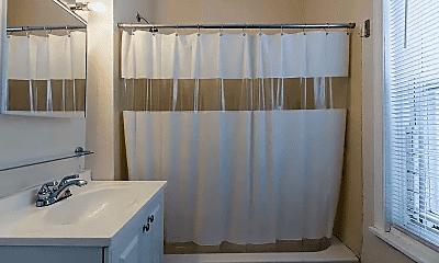 Bathroom, 2920 Washington St, 2