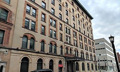 Worthy Apartments, 0