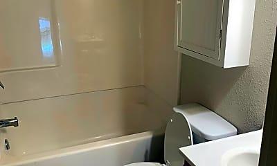 Bathroom, 1202 Summit Ave, 2