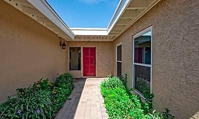 Building, 6922 E Cactus Rd, 1