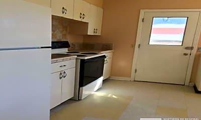 Kitchen, 411 Colorado River Blvd, 2