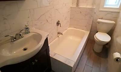 Bathroom, 595 W 207th St, 2