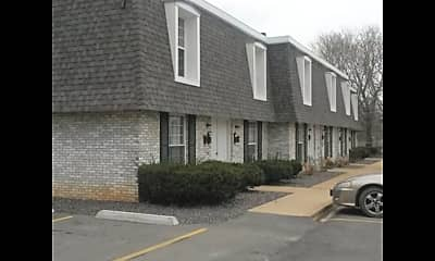 403 N Carleton St, 1