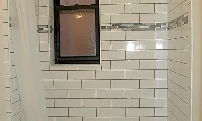 Bathroom, 550 55th St 32, 2