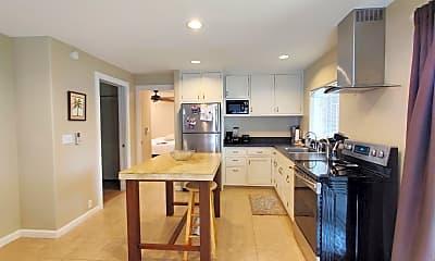 Kitchen, 958 Holoholo St, 1