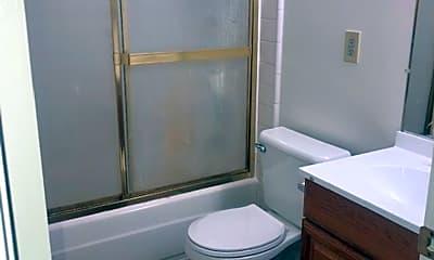 Bathroom, 2674 Victoria Ave, 2