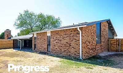 Building, 935 Live Oak Dr, 2