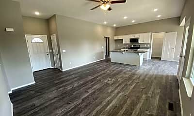 Living Room, 138 Dogwood St, 1