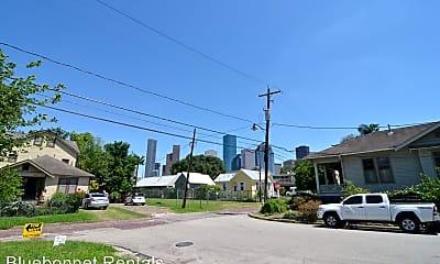 Building, 811 Sabine St, 2