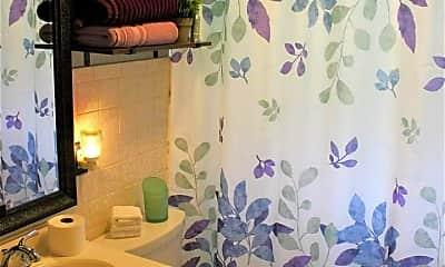 Bathroom, 2369 34th St, 2