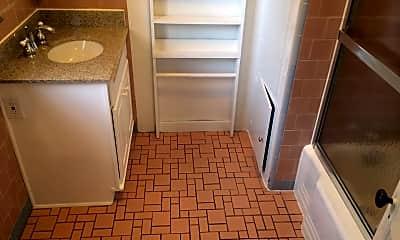 Bathroom, 573 Lytton Ave, 2