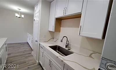 Kitchen, 1291 Elizabeth Ave 2, 1