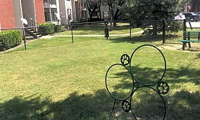 Oak Meadow Apartments, 2
