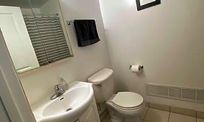 Bathroom, 521 Logan Ave N, 1