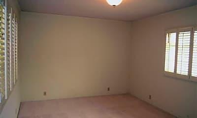 Bedroom, 3931 Walnut Ave, 2