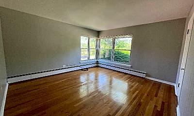 Living Room, 306 S Austin Blvd, 2