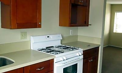 Kitchen, 650 1/2 62nd St, 1