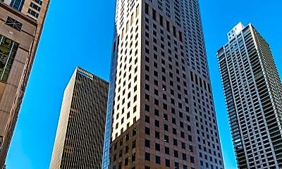 Building, 950 N Michigan Ave, 0