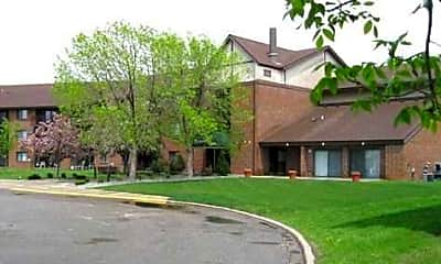 Highlands Apartments, 1