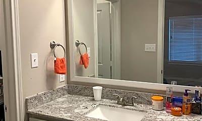 Bathroom, 518 Hayes Ln, 2
