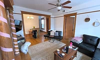 Living Room, 3445 N Halsted St, 1