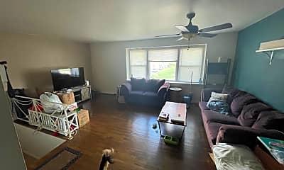 Living Room, 1620 Loney St, 2