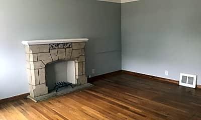 Living Room, 4629 E 86th St, 1