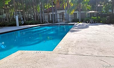 Pool, 540 S Park Rd 28-9, 2
