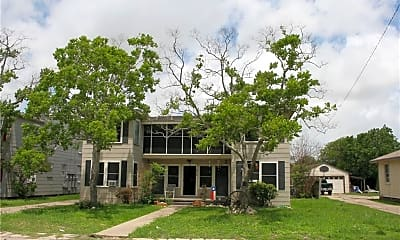Building, 810 Ohio Ave 3, 1
